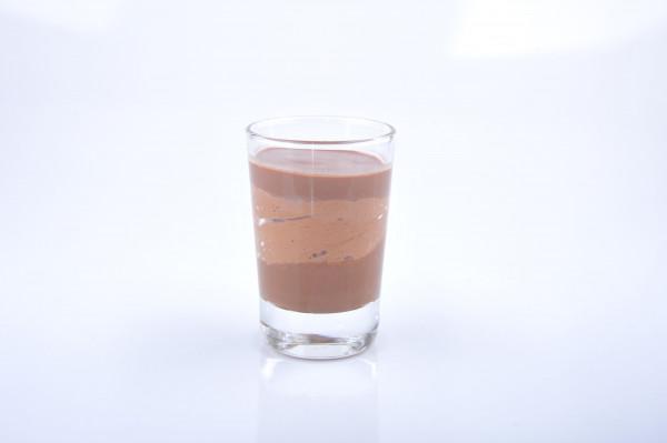 Dunkles Schokoladenmousse Valrhona Manjari 64% Kaffee
