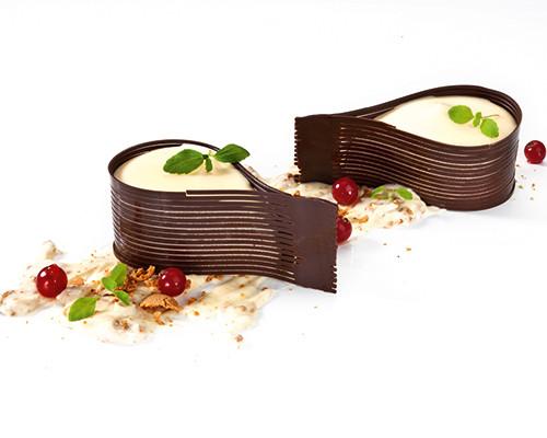 Träne von weißer Schokoladenmousse