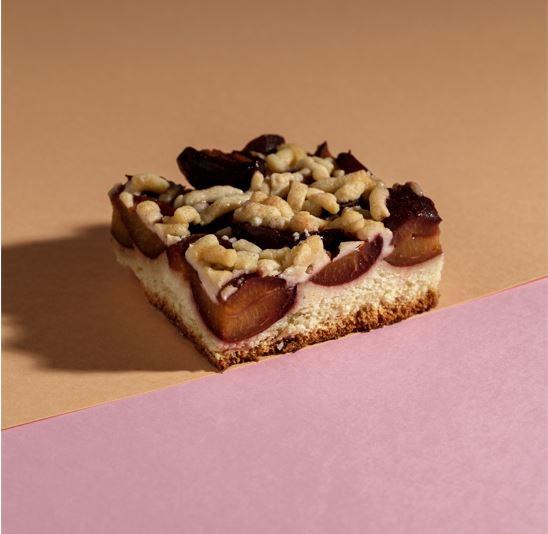 Zwetschgen-Streuselkuchen, geschnitten Premium Line